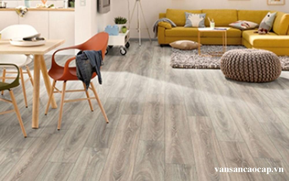 Cách làm sạch sàn gỗ công nghiệp